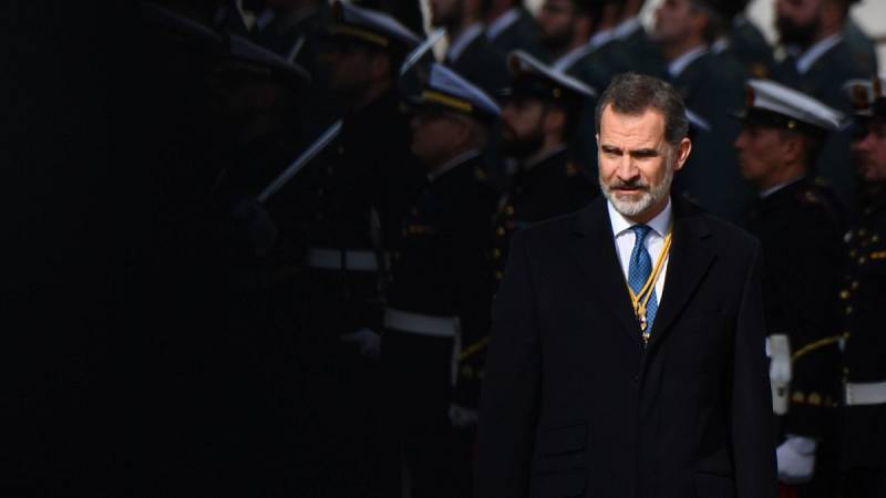 73 mandos retirados del Ejército envían una carta al rey en protesta por el Gobierno