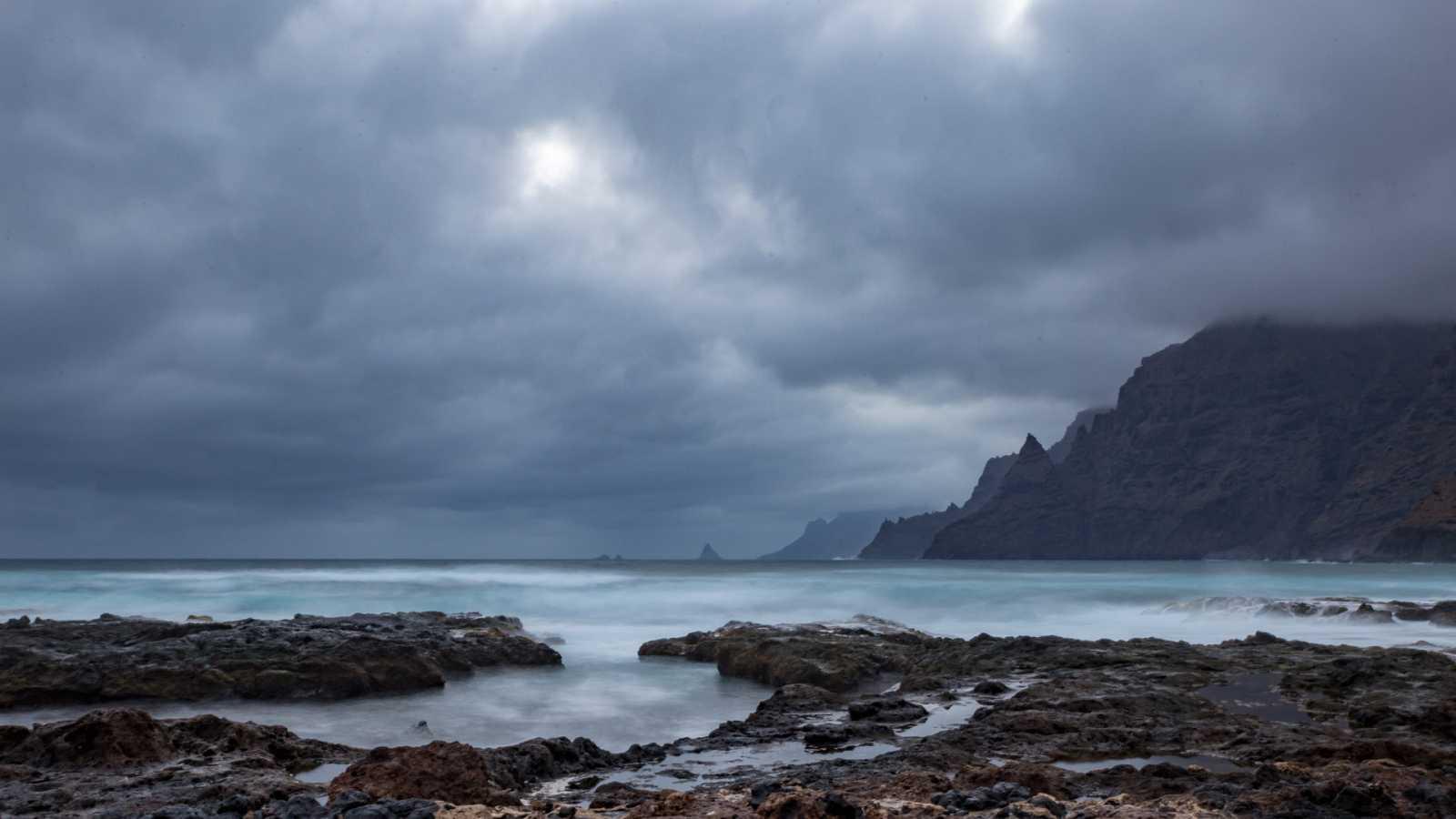 Lluvias fuertes en el oeste de Canarias y Cádiz con temporal en el Estrecho - Ver ahora