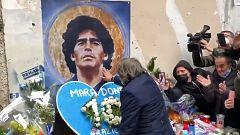 La Roma y Conti rinden homenaje a Maradona