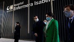 Ayuso inaugura el Hospital Isabel Zendal entre protestas por la falta de contratación de sanitarios