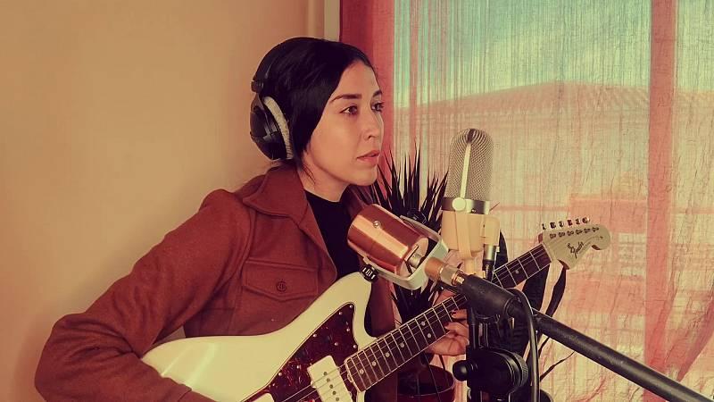 Imagina John Lennon - Anni B.Sweet - Isolation