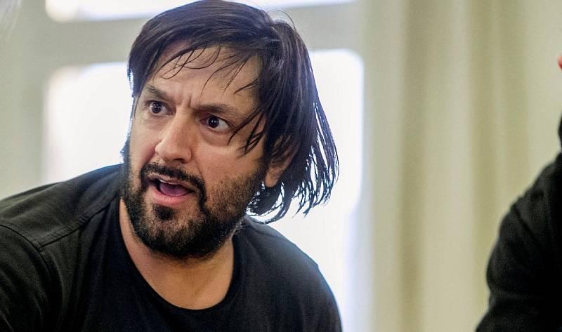 Rafael Amargo, a la espera de pasar a disposición judicial tras prestar declaración ante la Policía