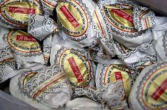 El consumo navideño de jamón, cava o mazapán, en riesgo por la pandemia