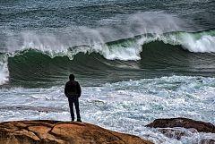 La borrasca Dora deja olas, nieve y frío en buena parte de la Península