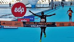 Kandie pulveriza el récord mundial de medio maratón