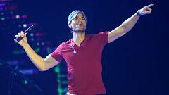 Flash Moda - Enrique Iglesias Mejor Artista Latino