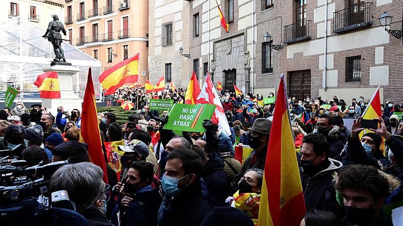 Protestas contra el Gobierno y a favor de la unidad de España en el día de la Constitución