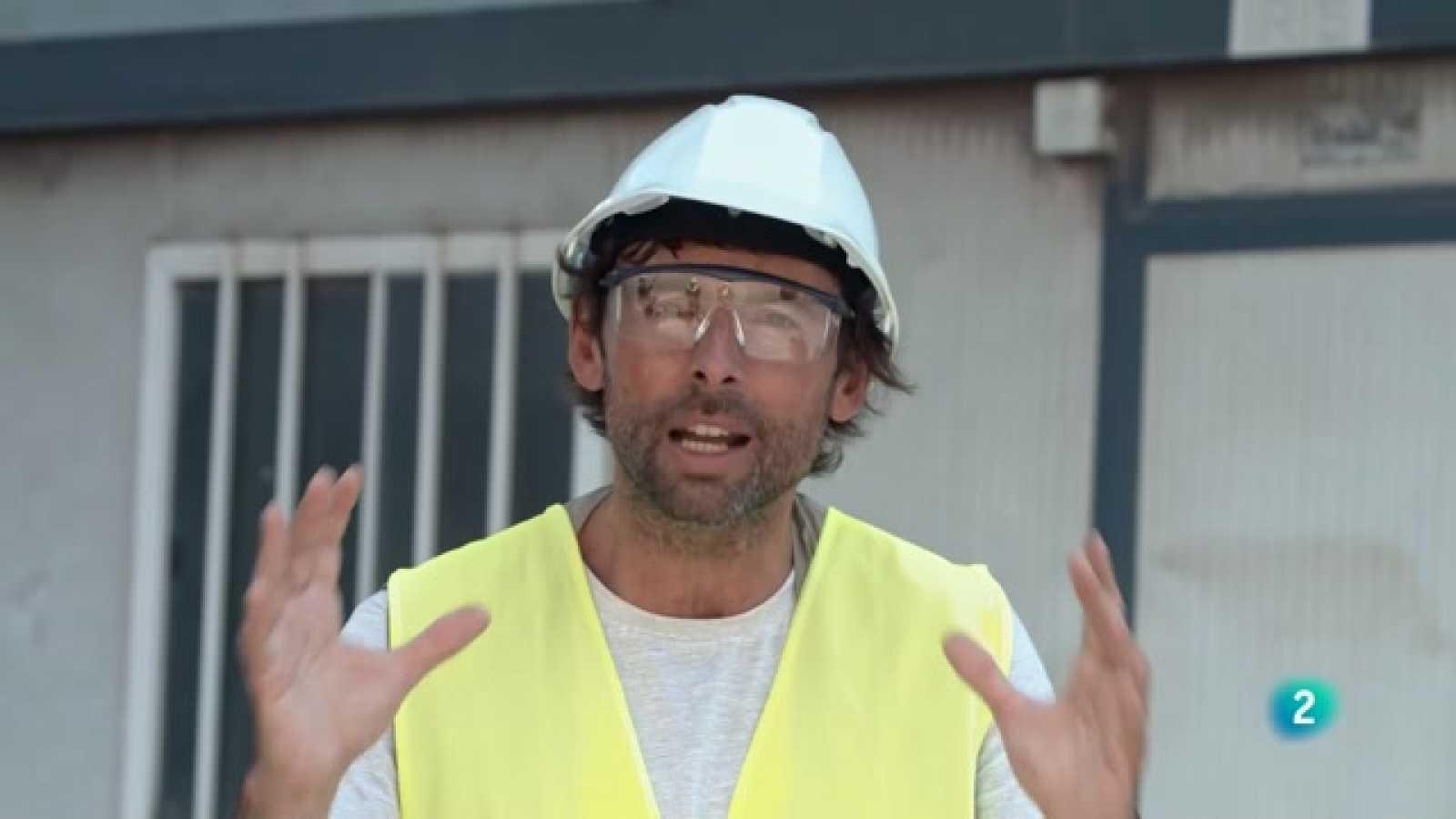 A Perduts en el temps Bruno Oro visita unes impressionats fàbriques de ciment al Baix Llobregat.