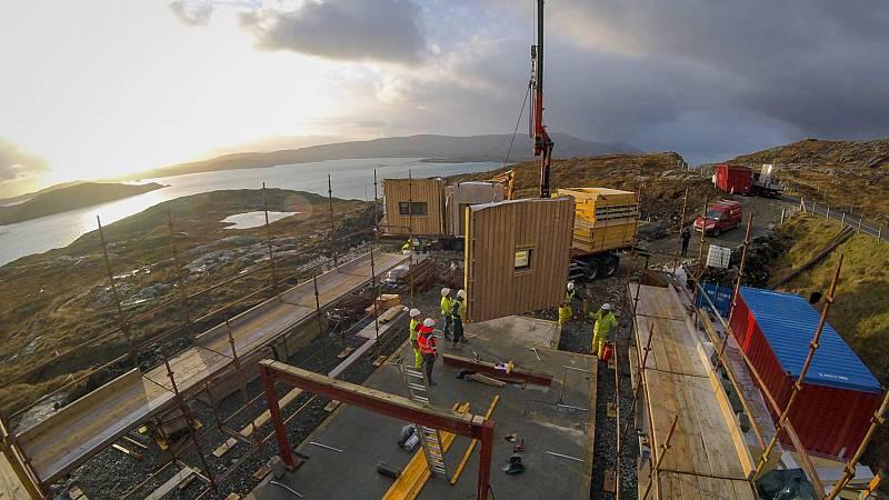 Construcciones imposibles - Una gran casa familiar - ver ahora