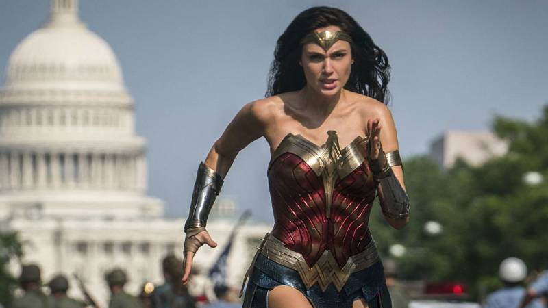Patty Jenkins y Gal Gadot contentas de que por fin se estrene 'Wonder Woman 1984'
