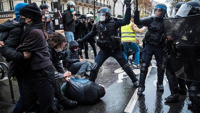 Decenas de detenidos en París en una nueva protesta contra la ley de Seguridad
