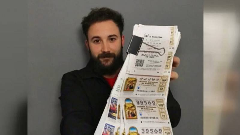 """Un joven encuentra 95 décimos perdidos y se los devuelve al lotero: """"Bastante mal va 2020 como para otra mala noticia"""""""