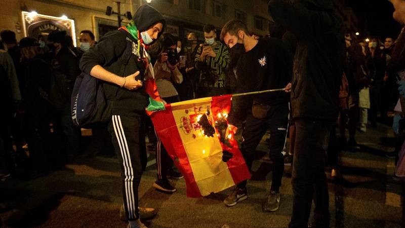 El Constitucional dice que los ultrajes a la bandera no están amparados por la libertad de expresión