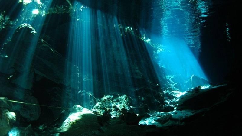 Órbita Laika - Curiosidades científicas - Fuentes hidrotermales