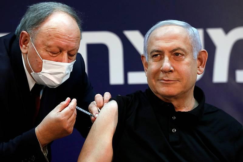 Netanyahu recibe la vacuna contra la COVID-19 dando inicio a la campaña de vacunación en Israel