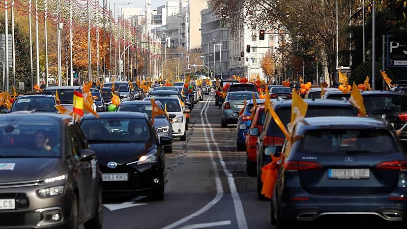 El Paseo de la Castellana en Madrid vuelve a llenarse de coches contra la 'ley Celaá'