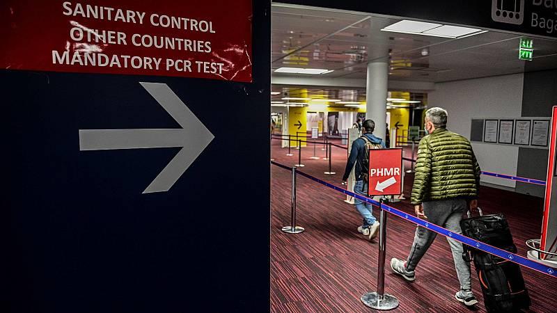 Varios países cancelan sus vuelos con Reino Unido por temor a la nueva cepa del virus