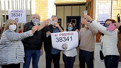 El 75.981 y el 38.341, los dos cuartos, reparten suerte en Vigo, Cambados, Valencia y San Pedro del Pinatar