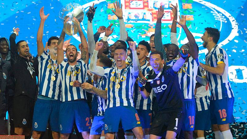 El Oporto se lleva la Supercopa de Portugal ante el Benfica