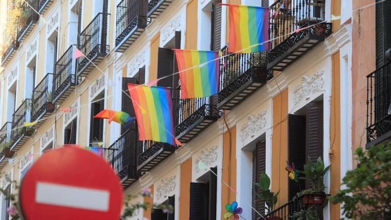 Cuando pertenecer al colectivo LGTBIQ+ era delito en España