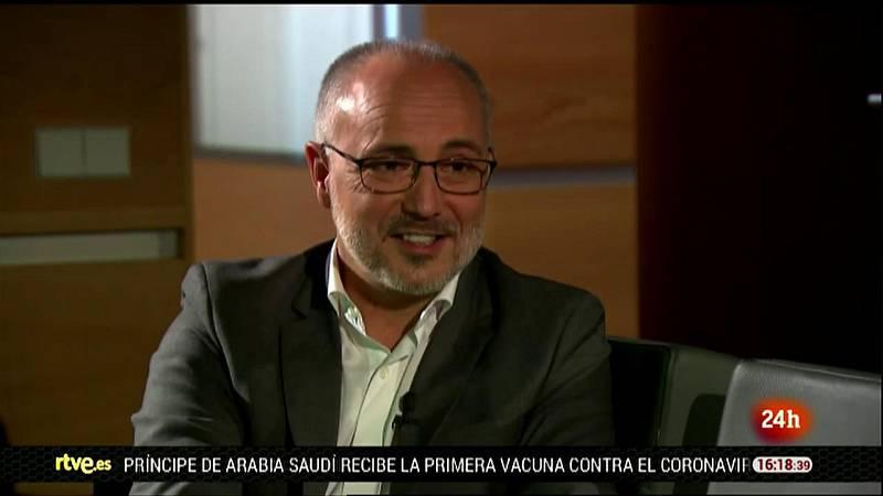 Parlamento - La entrevista - Joan Navarro: La Democracia en Palabras - 26/12/2020
