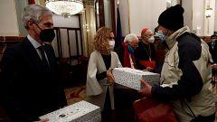 Parlamento - El reportaje - Cena de Nochebuena de Mensajeros de la Paz en el Congreso - 26/12/2020