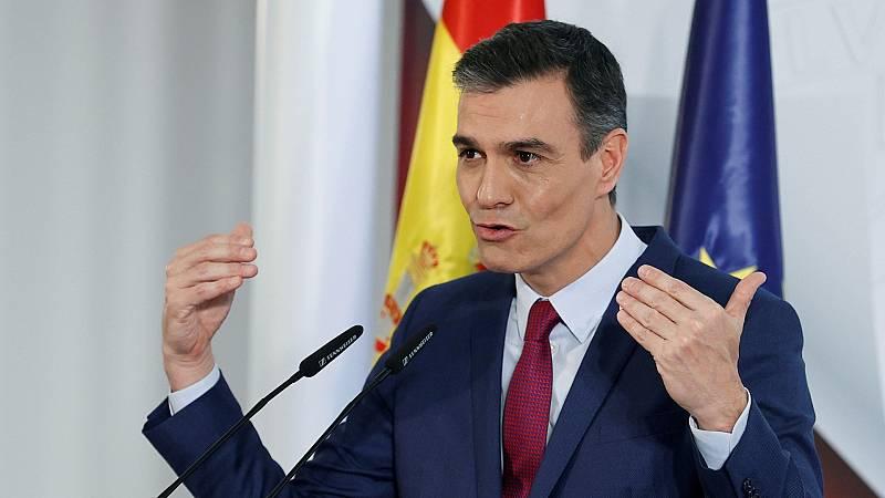 """Sánchez ve """"valiente"""" el discurso navideño del rey y asegura que el Gobierno defiende la monarquía"""