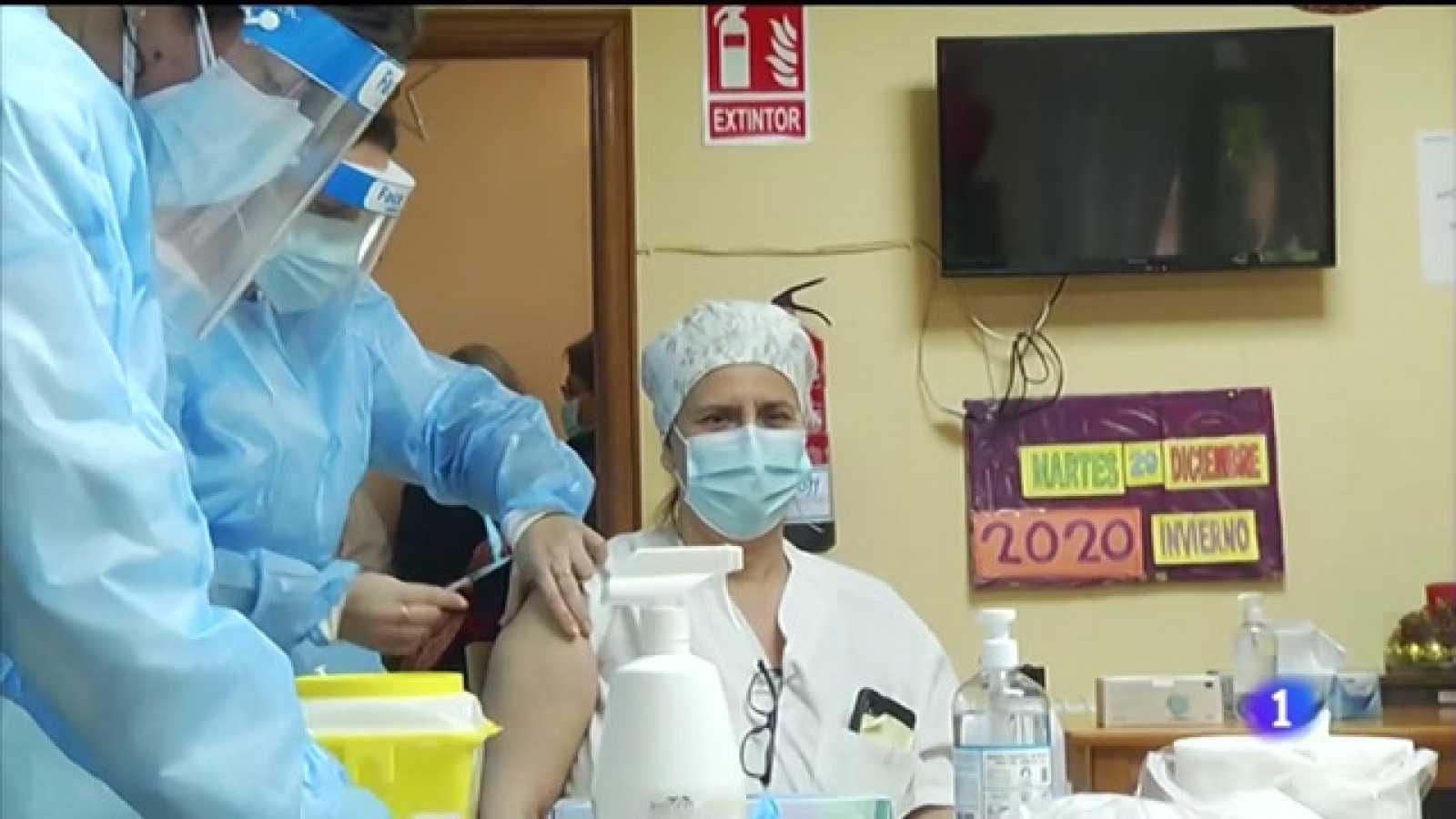 Usuarios e persoal de residencias reciben a vacina contra a covid