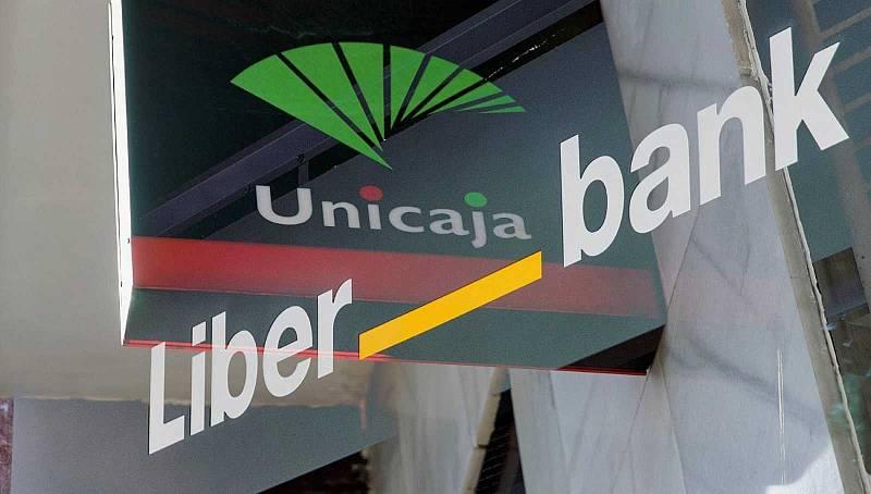 Unicaja y Liberbank se unen para formar la quinta mayor entidad de España en la segunda fusión bancaria del año