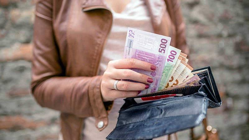 Gas, correo o el IVA de las bebidas azucaradas: las subidas que trae la cuesta de enero