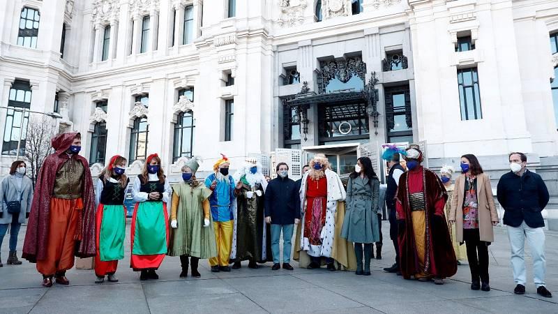 Cabalgatas estáticas en la visita de los Reyes Magos a España