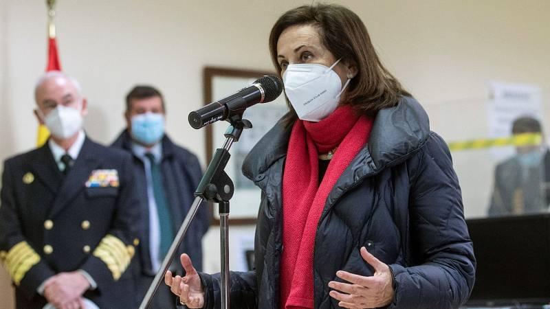 Margarita Robles y Pablo Casado valoran la posible intervención del Ejército en el plan de vacunas