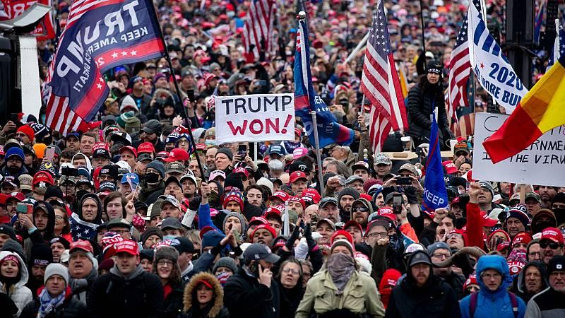 Miles de partidarios de Trump protestan en Washington por lo que siguen considerando un fraude electoral