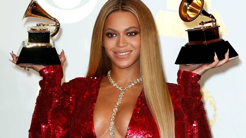 Las artistas lideran las nominaciones de los premios Grammy, que se posponen a marzo por la pandemia