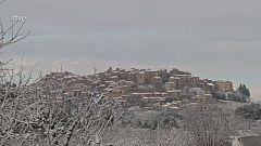 Imatges de la nevada a Horta de Sant Joan, on la neu ha acumulat uns 2 centímetres