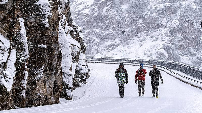 """Toledo pide ayuda a la UME ante la fuerte nevada: """"La situación es preocupante"""""""