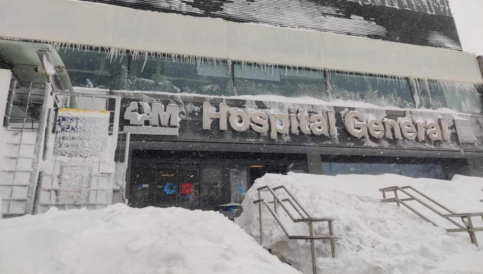 Los accesos al Hospital La Paz de Madrid, intransitables por la nieve