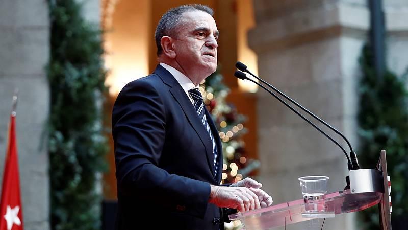 """El delegado del Gobierno en Madrid: """"Las grandes vías están libres de nieve pero hay que circular con cadenas y precaución"""""""