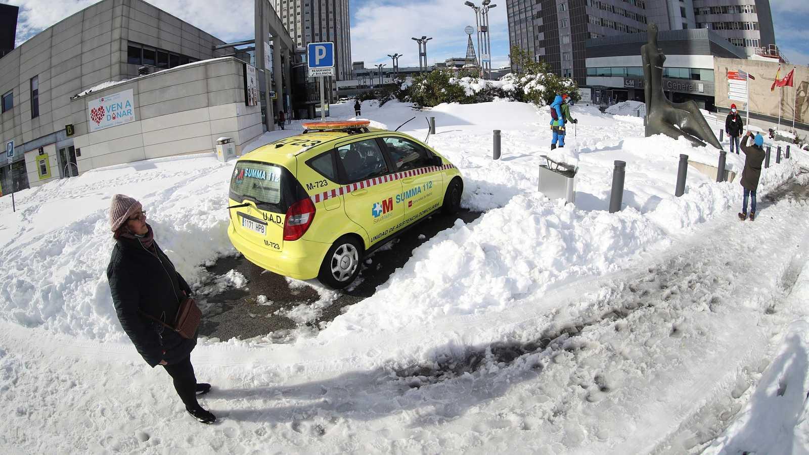 Caídas y resbalones en el hielo acaparan las urgencias en los hospitales de Madrid