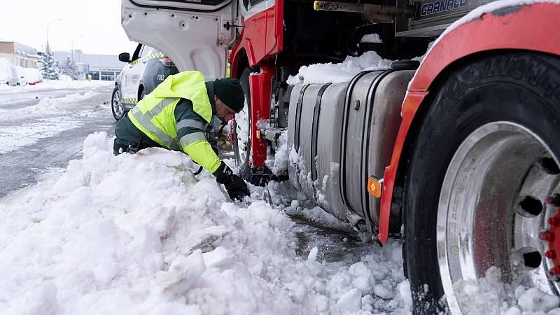 Mercamadrid abre este martes tras la nevada y registra la entrada de mil abastecedores