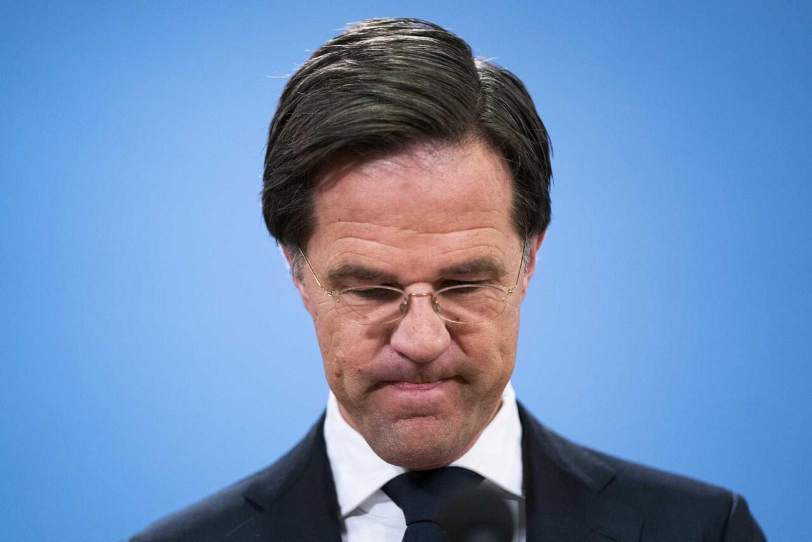 Dimite en bloque el gobierno holandés por un escándalo sobre ayudas a familias de inmigrantes