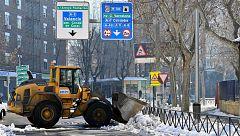 Madrid limpia un tercio de sus calles una semana después de la nevada y mantiene cerrados todos sus parques
