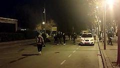 Un grupo de jóvenes que incumplía las medidas anticovid ataca a una patrulla de los Mossos