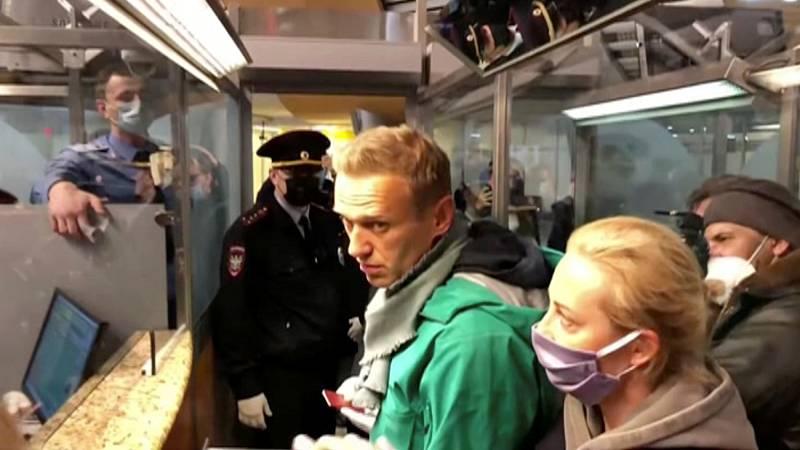 Navalny, detenido en Moscú tras regresar al país recuperado de su envenenamiento