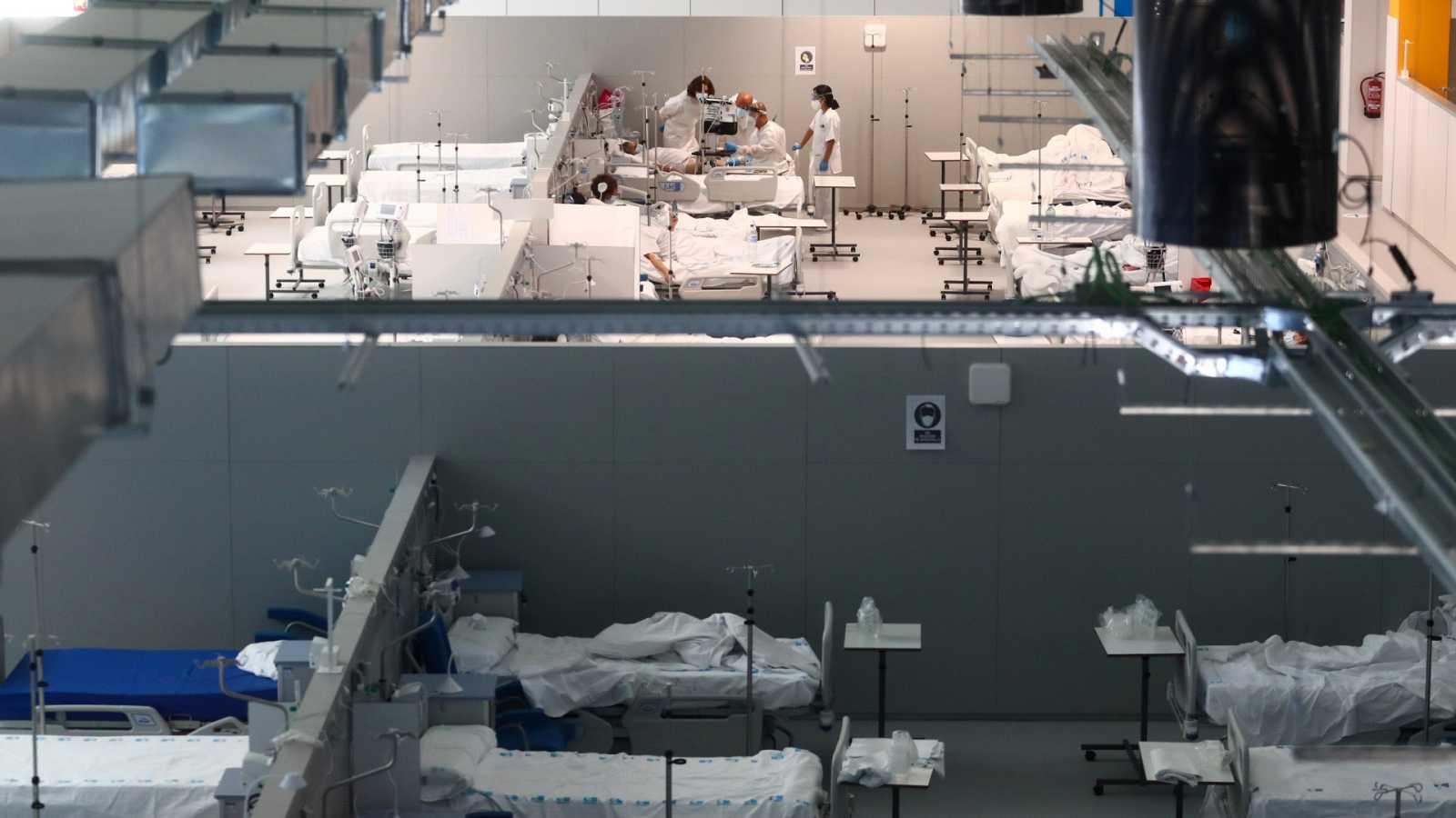 Madrid prohíbe contratar a sanitarios que rechacen su traslado al Zendal