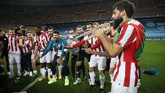 El trompetista Villalibre: líder del Athletic y de la banda Orsai con sus compañeros de vestuario