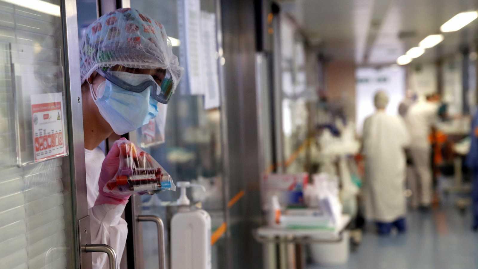 Un hospital de Badalona comienza el ensayo clínico de un nuevo tratamiento anti-covid a partir de plasma de pacientes