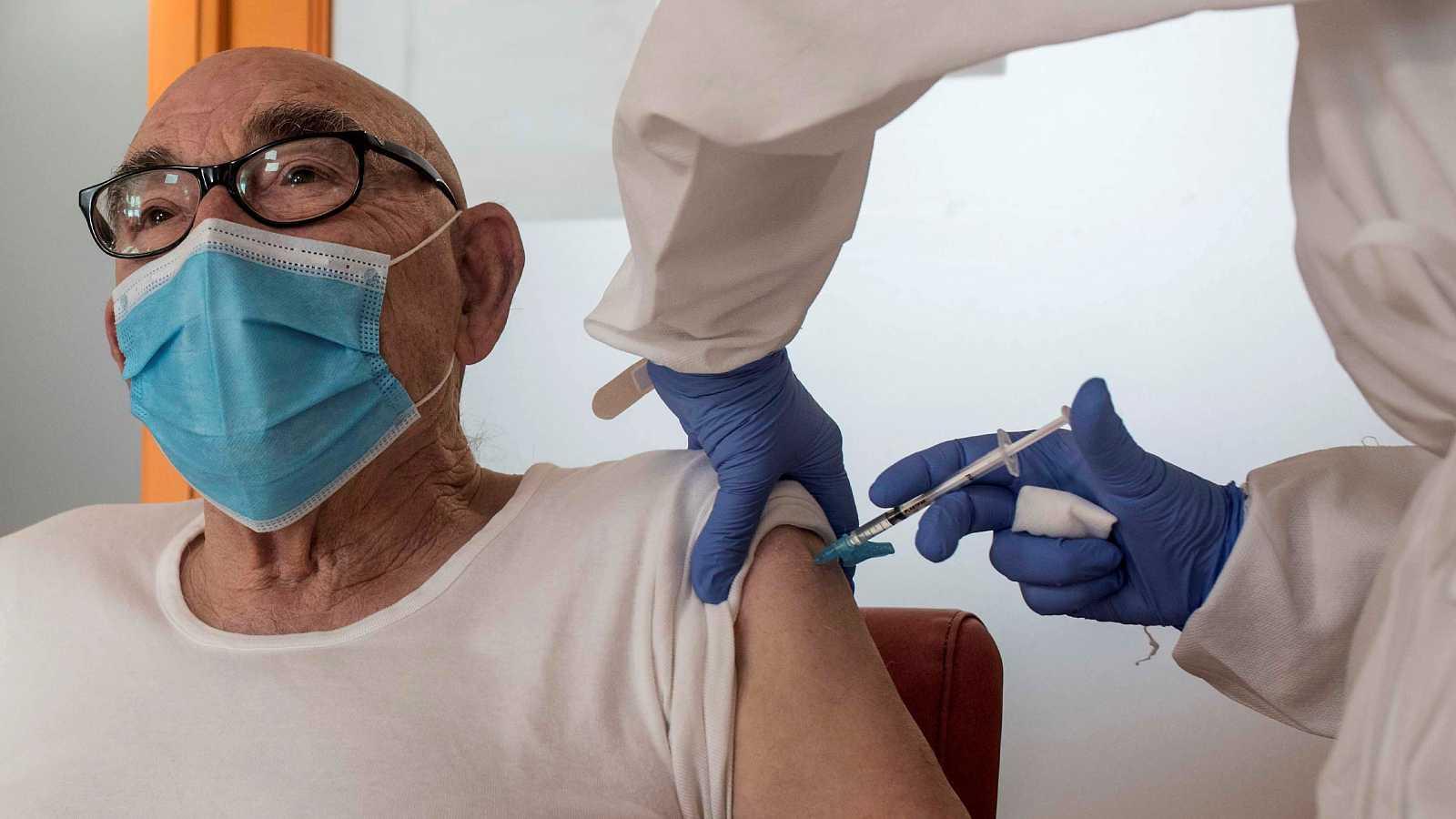 Las próximas vacunaciones se realizarán a las personas mayores de 80 años