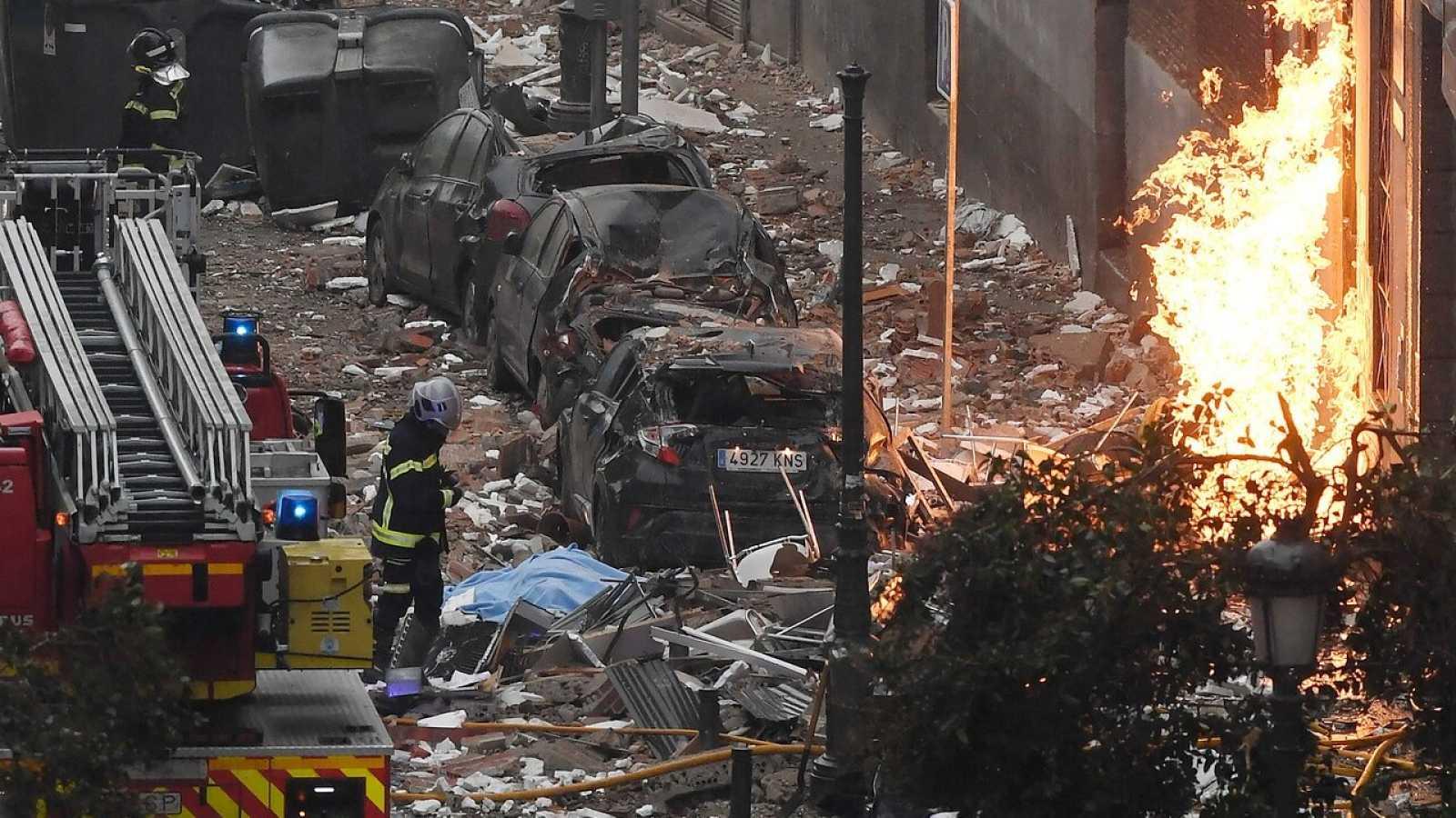 Una explosión en un edificio de Madrid deja tres muertos y una decena de heridos