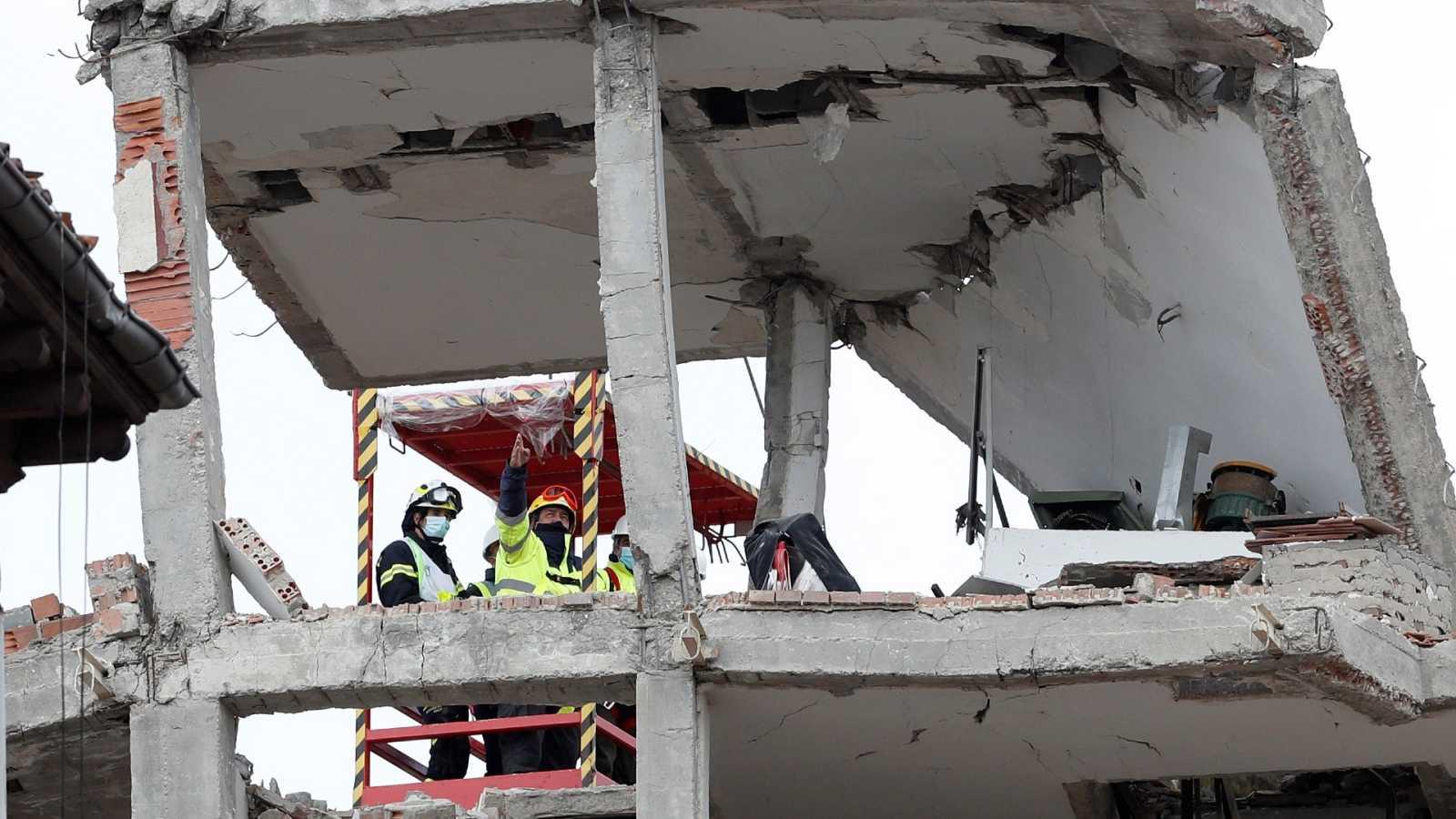 La Policía emplea drones para buscar pruebas tras la explosión en un edificio en Madrid